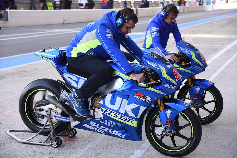 Vinales' Suzuki crew testing