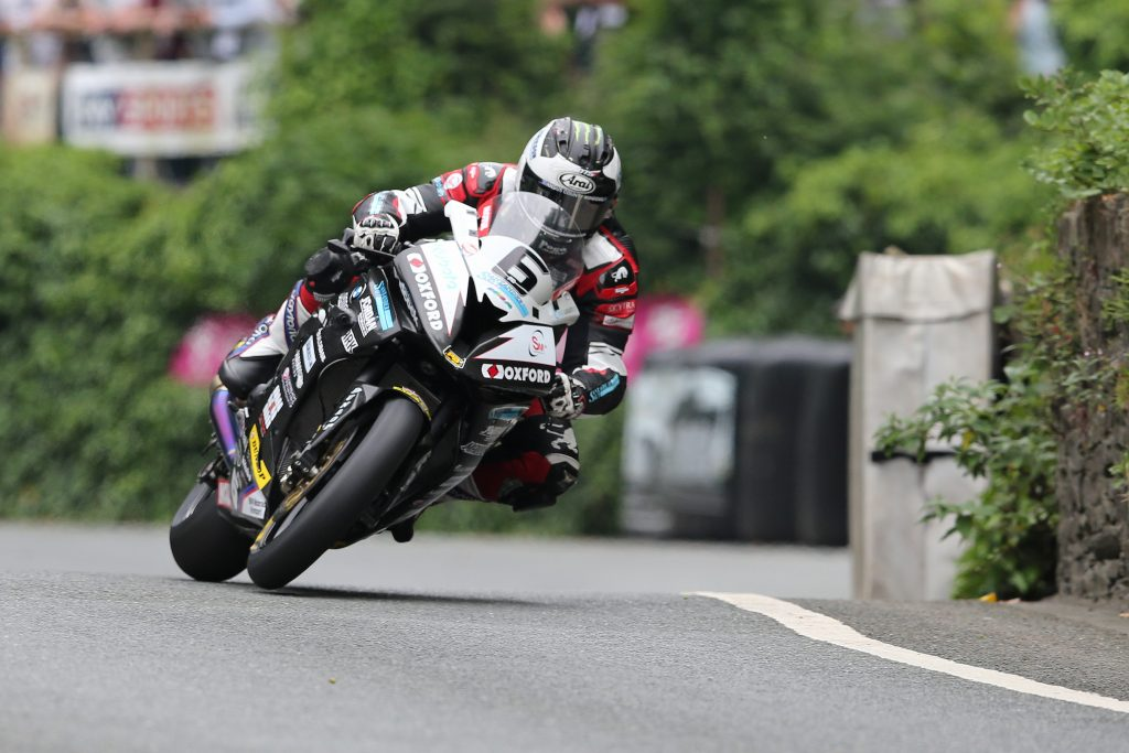 DAVE KNEEN/PACEMAKER PRESS, BELFAST: 10/06/2016: Michael Dunlop (BMW - Hawk Racing) at Union Mills during the Pokerstars Senior TT race.