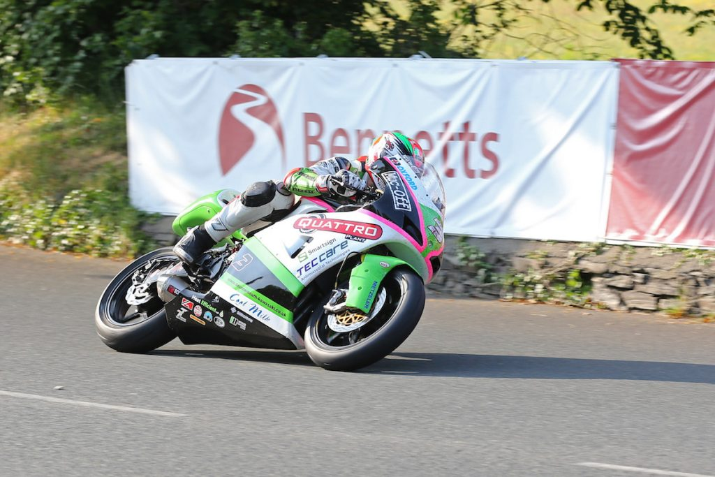 DAVE KNEEN/PACEMAKER PRESS, BELFAST: 08/06/2016: James Hillier (Quattro Plant Muc-Off Kawasaki) at Ginger Hall during the Bennetts Lightweight TT race.