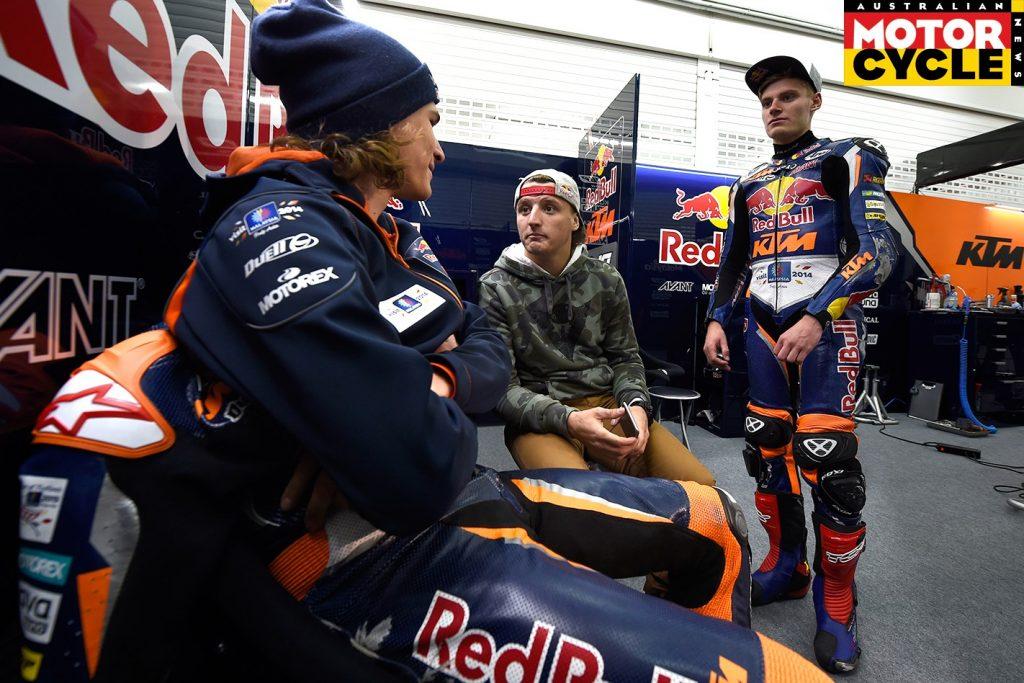 Hanika--Miller--Brad-Binder--Valencia-Moto3-Test-10-12-Feb-2015-1422