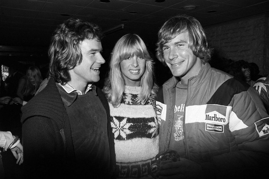Sheene with his then girlfriend (and later wife) Stephanie McLean and James Hunt