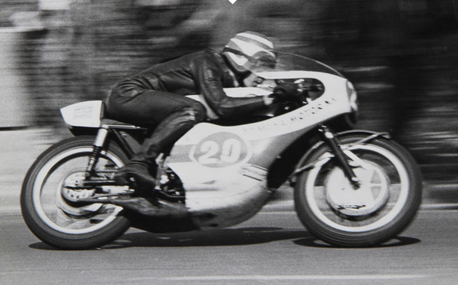 Molloy racing his Bultaco at Paeroa 2005