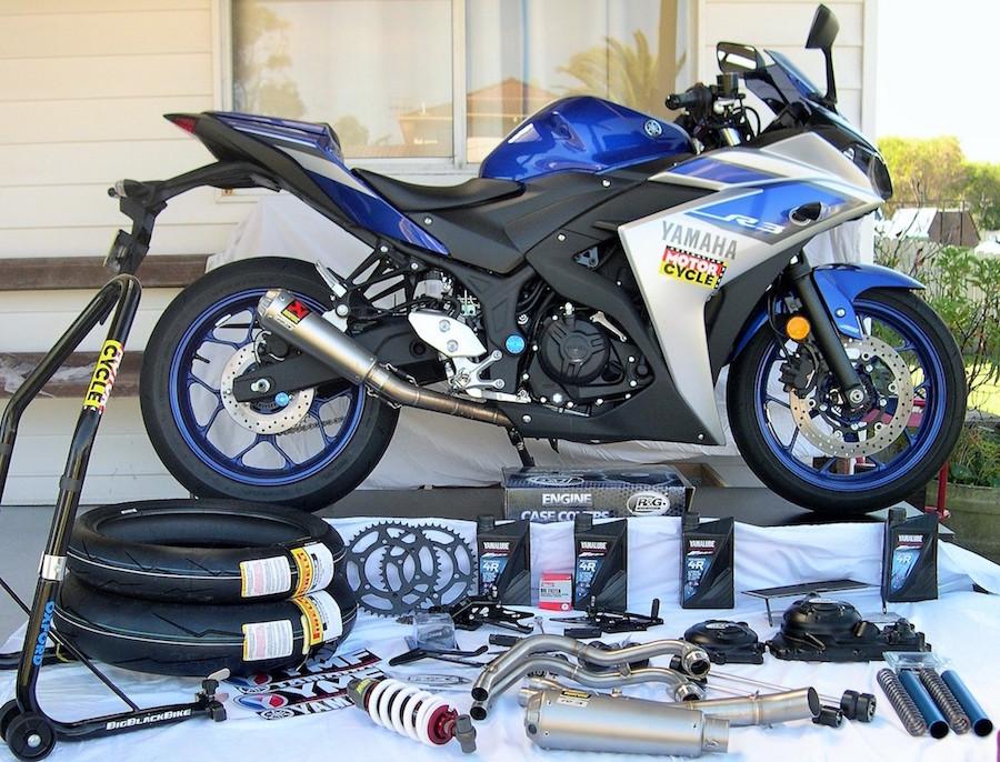 Building the AMCN / YMA / Pirelli YZF-R3 racer - Australian