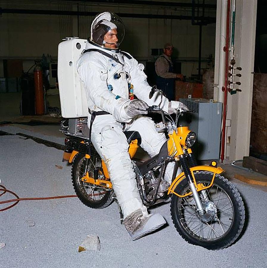 https://amcn.com.au/wp-content/uploads/2017/04/Pic-2_Astronaut-Honda_CT90.jpg