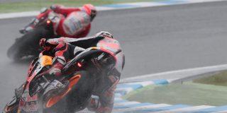 Marquez vs Dovizioso fires ...