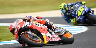 ROSSI AND MARQUEZ FANS GO H...