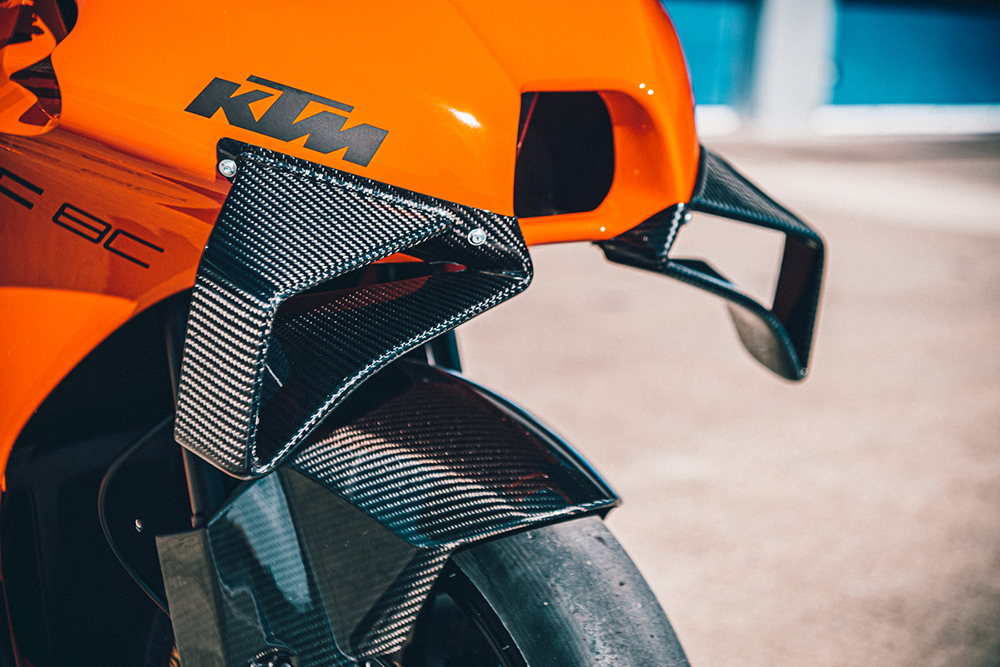 KTM RC 8C winglets